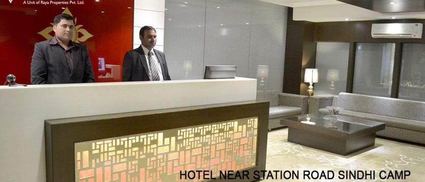 Hotel Near Station Road Sindhi Camp - Raya Inn